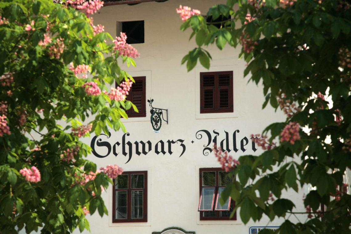 Schwarz Adler Haus